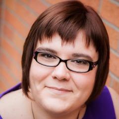 Ep 122: Expert Social Media Strategist and Speaker Sophie Bujold - BizChix.com